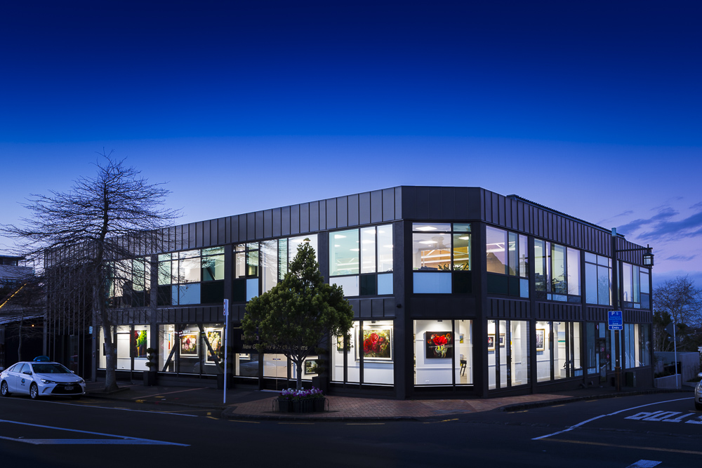 Auckland architectural photographer captures dusk images on Parnell Art Gallery